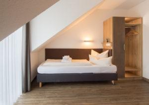 hotel-spaeth-studio-bett-schrank-ensemble